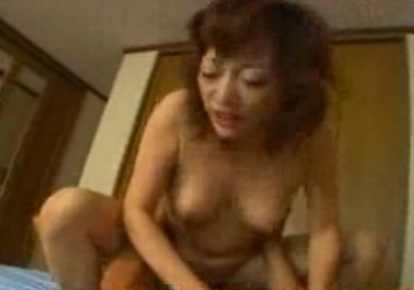 熟女のふの顔射無料人妻動画。             【熟女のふ】夫のふにゃチンじゃ満足できない!
