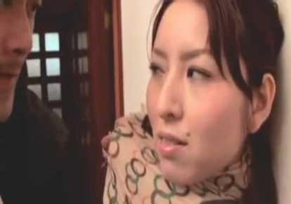 人妻のレイプ無料hitoduma動画。             【ヘンリー塚本】新聞屋を煽って自らレイプされるよう仕向ける人妻