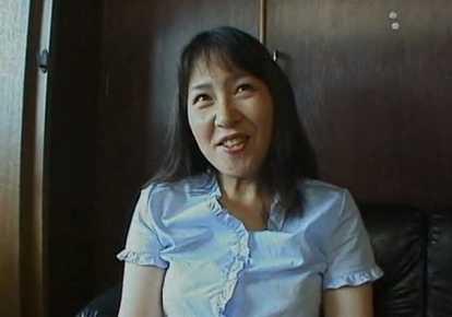 人妻の顔射無料主婦動画。             【顔射】アソコが大洪水なウブな人妻