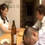 【人妻】酔い潰れた上司に内緒で奥さんと顔射ぶっかけSEX【寝取り・寝取られ】