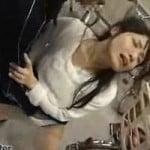 【人妻レイプ】人妻強襲レイプ!襲われているにも関わらず手マンでブッシャブシャの潮を吹いた人妻【顔射】