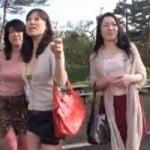 淫乱の熟女の逆レイプ無料人妻動画。             【熟女ナンパ】熟ビッチ3人衆がイク!