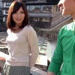 【人妻ナンパ】温泉旅行中の美人妻と半個室露天風呂でシッポリズッポリ