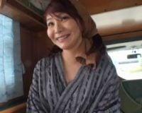 OLのナンパ無料人妻動画。意外と美人!
