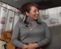 【熟妻ナンパ】セレブ妻ナンパin表参道 ピストンするたび大きなお乳が揺れまくる正真正銘セレブ熟女