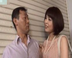 【人妻】街で見かけた綺麗で上品な奥様は、つけて来た男を逆レイプするような淫乱妻でした!【顔射】