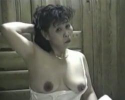 【個人撮影】「あぁオマンコ!はぁ~気ん持ちイイ~!やめられない!」熟年夫婦の生々し過ぎる夜の営み映像【熟女】
