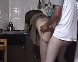 【個人撮影】NTRモノAV好きの性癖拗らせ男性がセフレ妻相手に理想のプレイを実現!興奮し過ぎでまさかの早漏射精