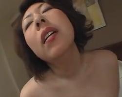 【個人撮影】「生で挿れてぇ…」本能でチンポを欲しがる肉便器熟女の卑猥なケツマンコ【熟女】