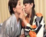 【熟女】熟女レズ濃厚具合わせ 那須秘境温泉の地でまぐわうネコとタチ 村上涼子