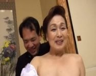 【完熟】熟女界のレジェンドが古希を機にAV業界に戻って来た! 生涯現役!高畑ゆり(70歳)古希で再デビュー!
