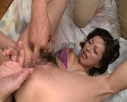 【熟女】四十路母の初アナル姦 息子の友達に尻穴を犯されて… 片岡なぎさ