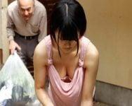 【人妻】「奥さん!そんなに乳首チラチラさせて誘惑してんだろ!?」俺の性欲をいたずらに刺激する美人若妻のたわわな乳房と豆チラ