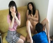 【熟妻ナンパ】買い物中の仲良し母娘ナンパ!娘の前で!母の前でイキまくる淫乱親子!