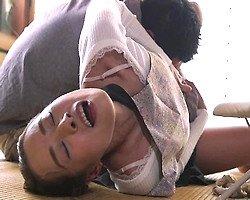 【近親相姦レイプ】力づくの近親交尾!息子の腕力に抗えず、無理矢理抱かれた母