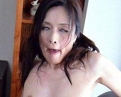 【熟女】涎を垂らして白目を剥いて痙攣イキ!交尾はド淫乱熟女とヤる方が気持ちイイに決まってる!