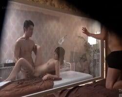 夫が覗いている目の前で他人棒に寝取られる人妻