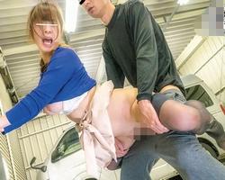 【人妻レイプ】身体が浮き上がるほどの子宮鬼突き膣ドン連打!買い物帰りの人妻を犯る!【中出し】