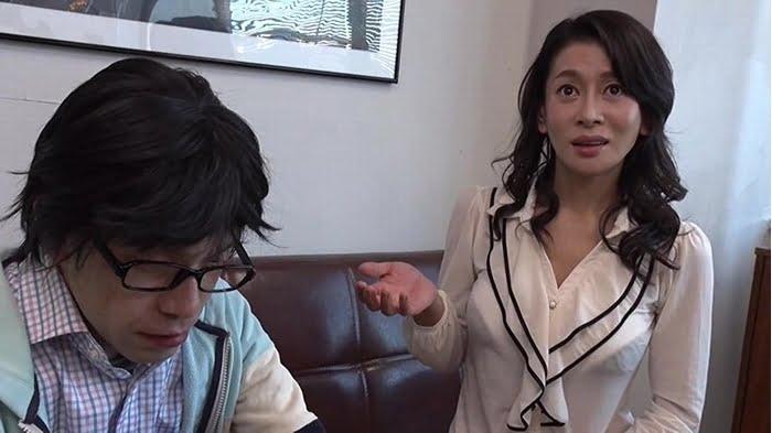 AV撮影現場で親子がまさかのご対面!!監督命令で実の母とのセックスを命じられた若手男優の息子を不憫に思った母は最初で最後のAV出演を決意したが、不覚にも息子のテクニックに声が… その12