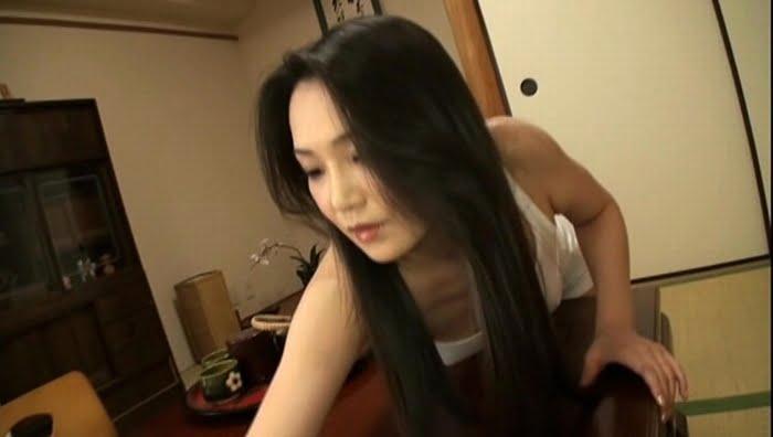 隣の家の無防備なスケスケおばさん 京野美麗(41歳) その1