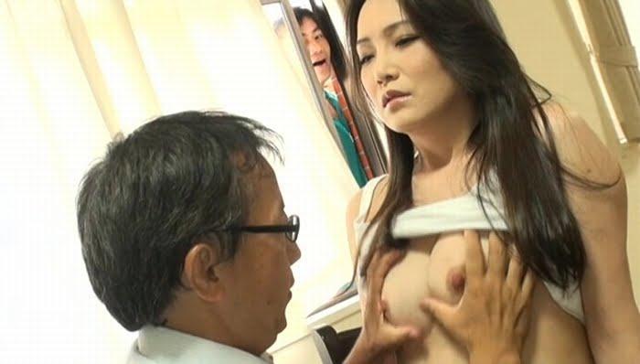 隣の家の無防備なスケスケおばさん 京野美麗(41歳) その2