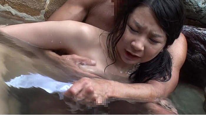 【人妻】親子丼レイプ!夏休みの家族団らんを楽しむ母娘を襲ったゲス暴行魔! その3