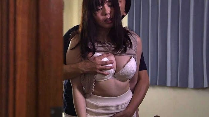 勃起不全の夫の願いで嫌々NTRセックスに応じた人妻が他人棒に目覚めていく! その4