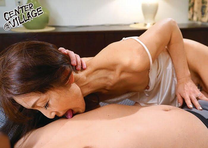 Bカップ五十路熟女がAVデビュー! その3