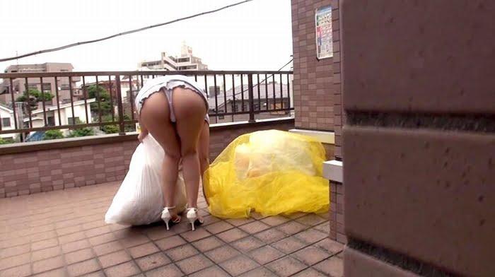 ノーブラパンチラで隣人男性を発情させてしまった巨乳人妻 その8