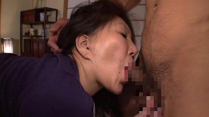久し振りのセックスに敏感に反応してしまう六十路熟女の完熟マンコ その3