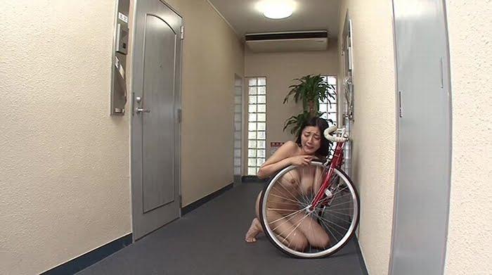 マンション隣人に中出しレイプされた巨乳人妻 その3