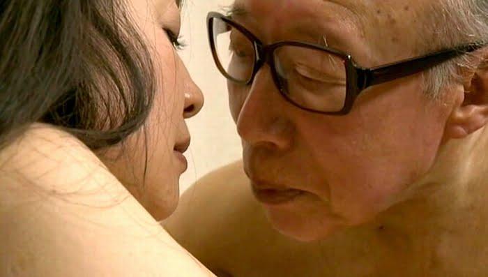 夫に隠れ主治医との不貞交尾を楽しむ四十路熟女 その2