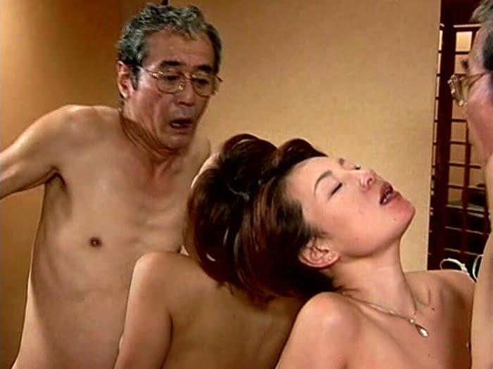 専属按摩師の肉棒で性欲解消する豊満熟女 その15