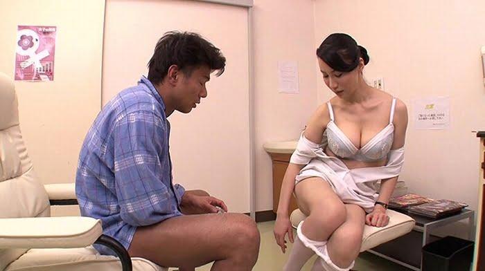 自分のミスで精液採取に失敗した熟女ナースが必死のオナサポ その7