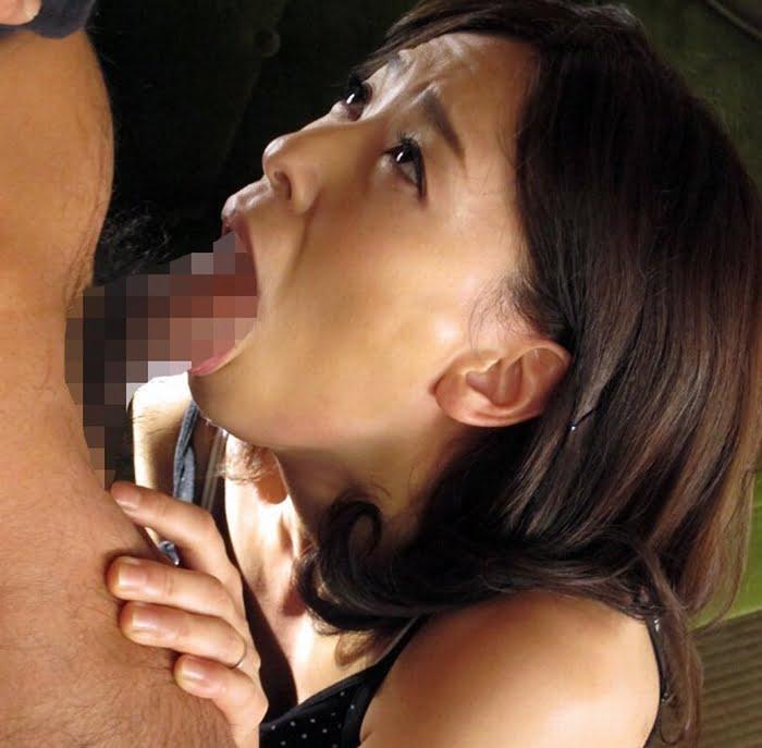 夫の上司のゲスいNTR交渉に屈した美人妻 その1