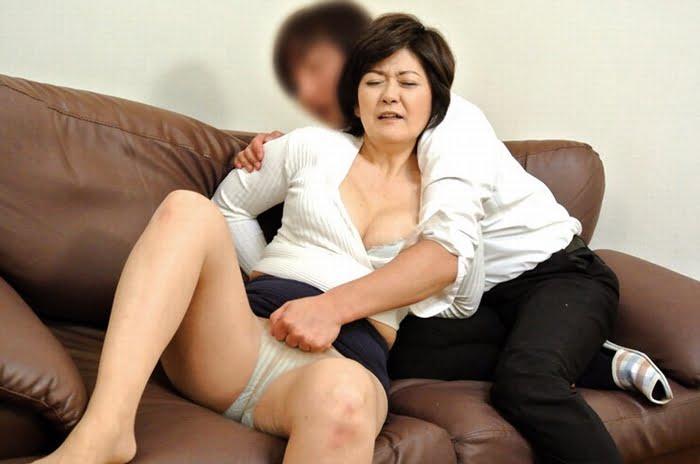 五十路母と息子の背徳近親相姦 その3