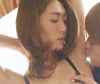 この人妻エロ過ぎるwww顔射ぶっかけ、ひょっとこフェラでチンポ掃除…ドⅯセレブ妻と楽しむパンパン交尾!