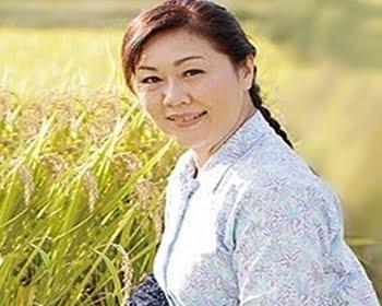 田舎に暮らす六十路熟女